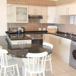 Third floor, 2 bedroom, 2.5 bathroom, open kitchen/lounge, spacious balcony with braai - seaview